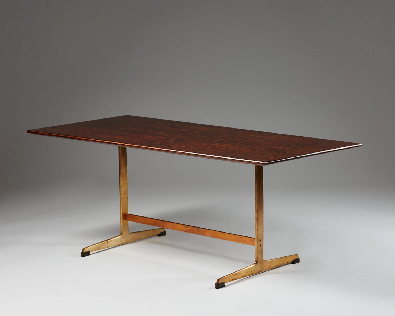 Coffee Table Designed By Arne Jacobsen For Fritz Hansen